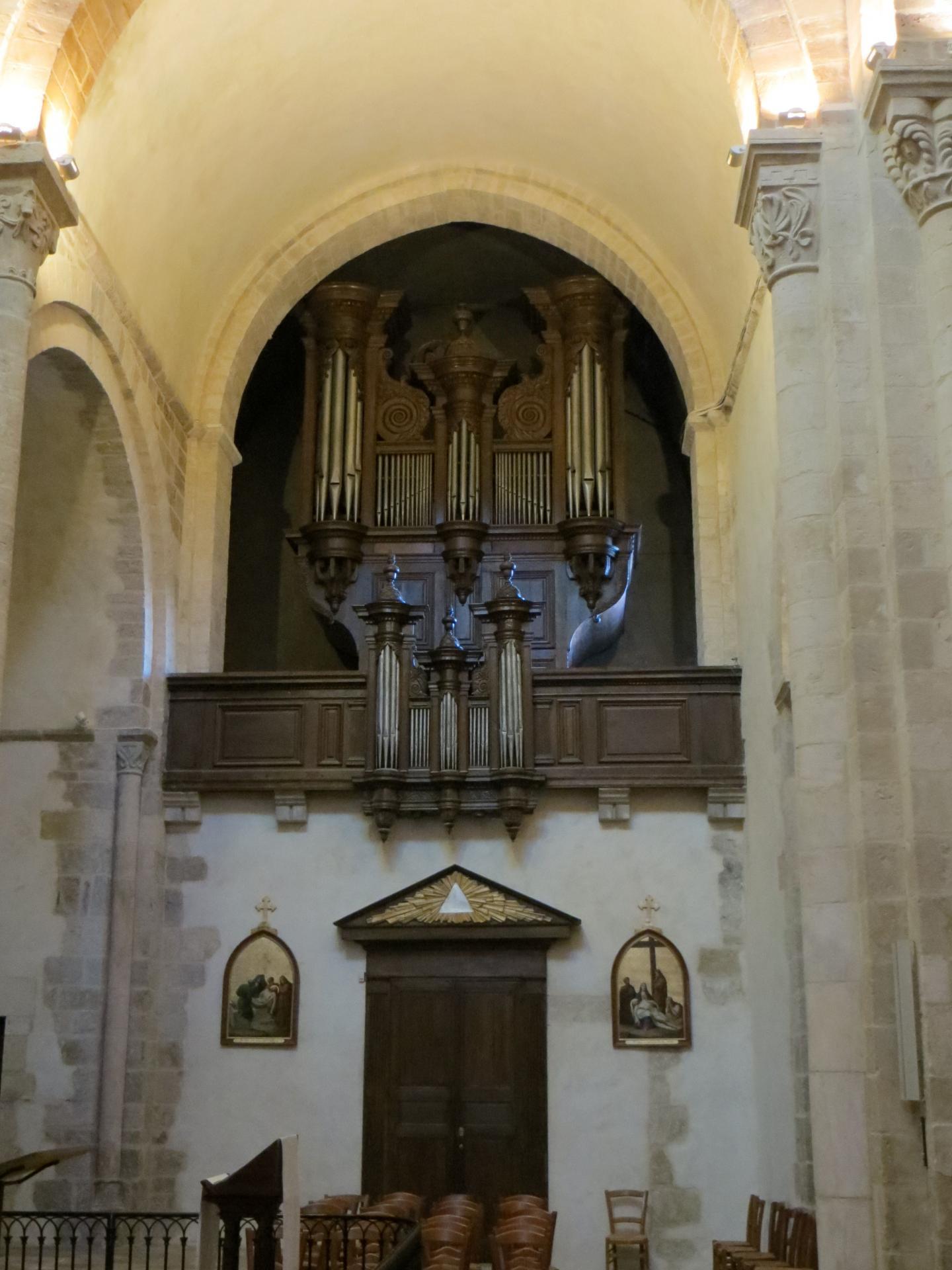 E glise saint amand de saint amand montrond orgue du grand conde